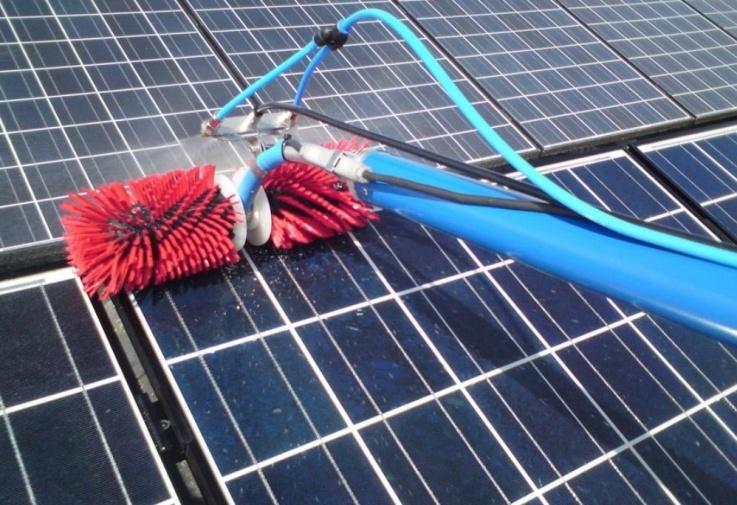 Contactez Clean Progress pour connaitre le tarif de nettoyage de panneaux photovoltaïques