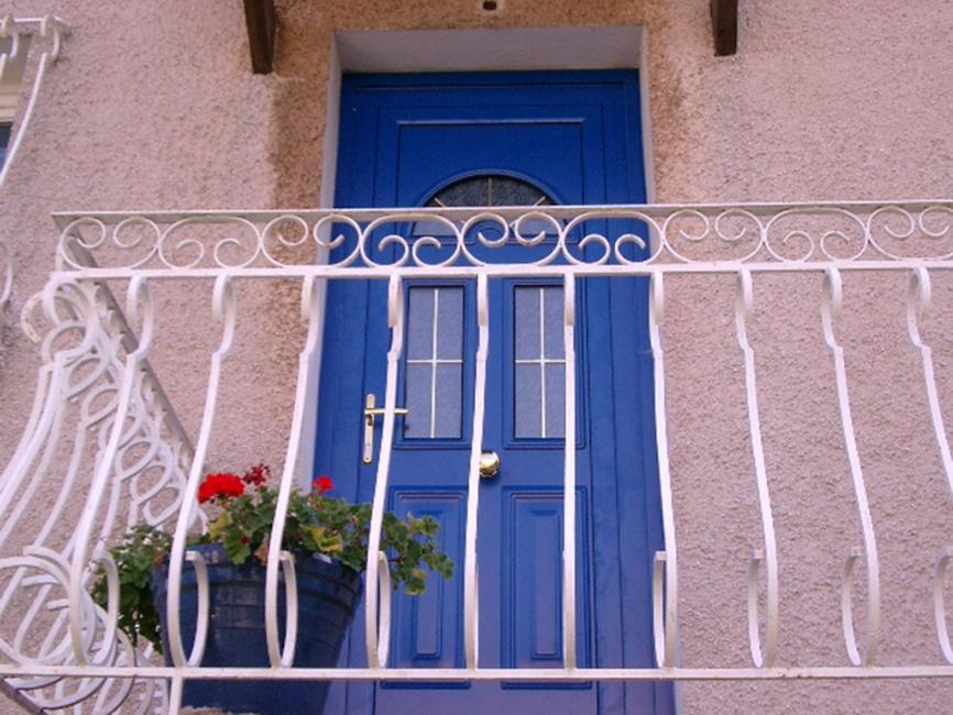 Porte d'entrée à Toulon - Les Menuiseries de la Vallée